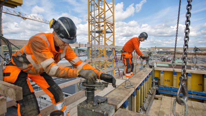 Sabb arbetare på tak